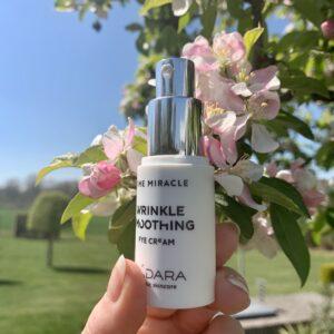 MADARA Organic Skincare Time Miracle Smoothing Eye Cream - The Organic Label.